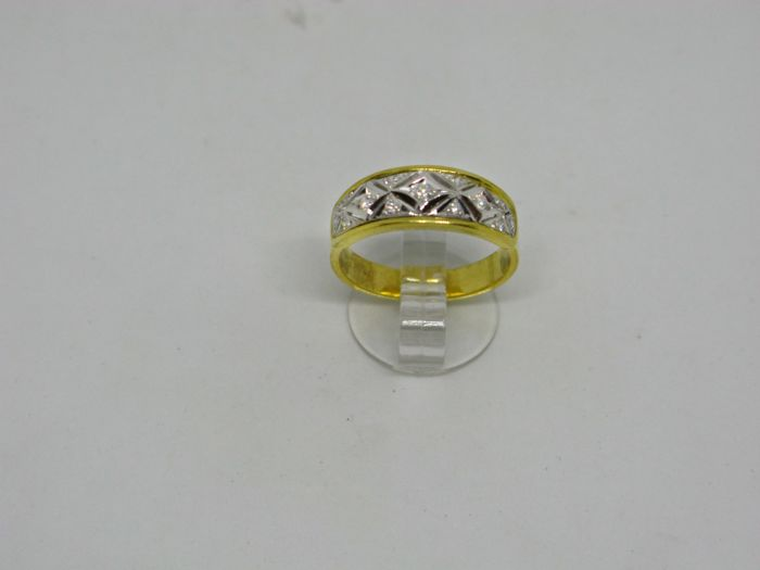 18k (750/1000) yellow and white gold ring 4,3gr set with diamonds 0,12ct - size:53 - No free resizing