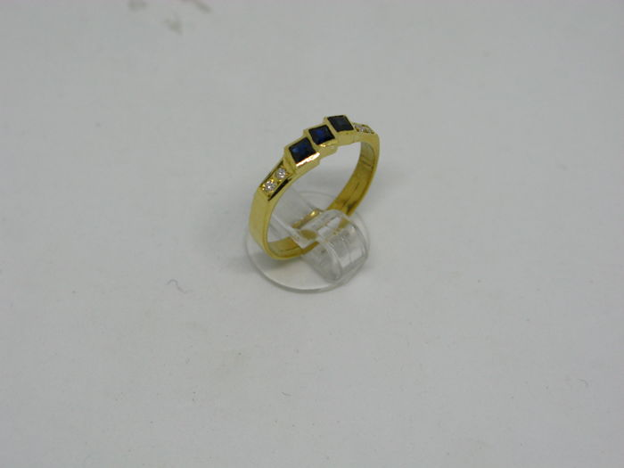 18k (750/1000) yellow gold ring 2,5gr set with diamonds 0,04ct and sapphires 0,25ct - size:55,5 - No free resizing