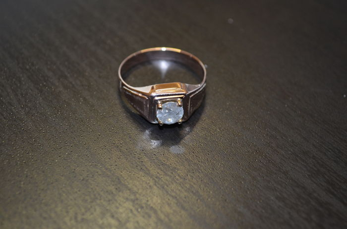14 kt antique gold men's ring with a single diamond colour: H, clarity: P3 - No reserve price