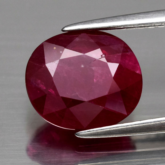 Red Ruby - 3.40 ct