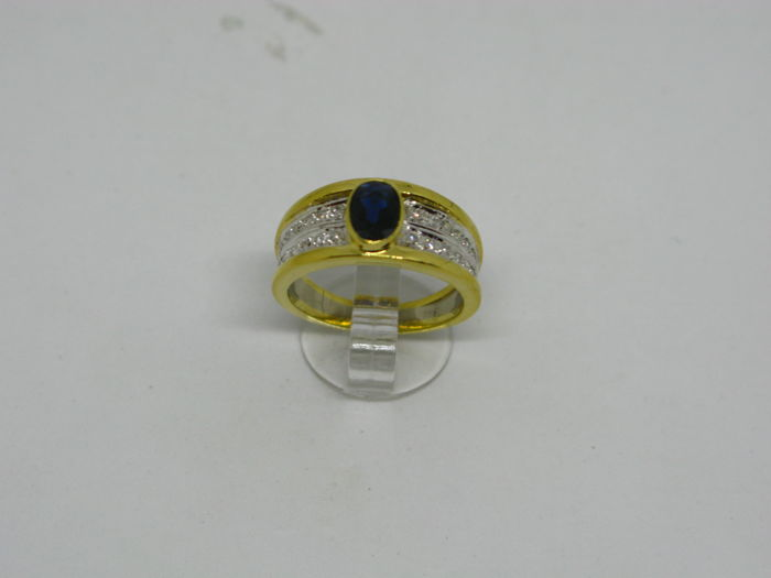 18k (750/1000) yellow and white gold ring 6,7gr set with diamonds 0,15ct and sapphire 0,85ct - size:54 - No free resizing