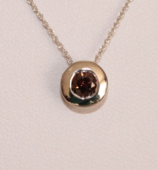 14 kt white gold necklace and pendant with cognac diamond of 0.31 ct - Length: 46 cm