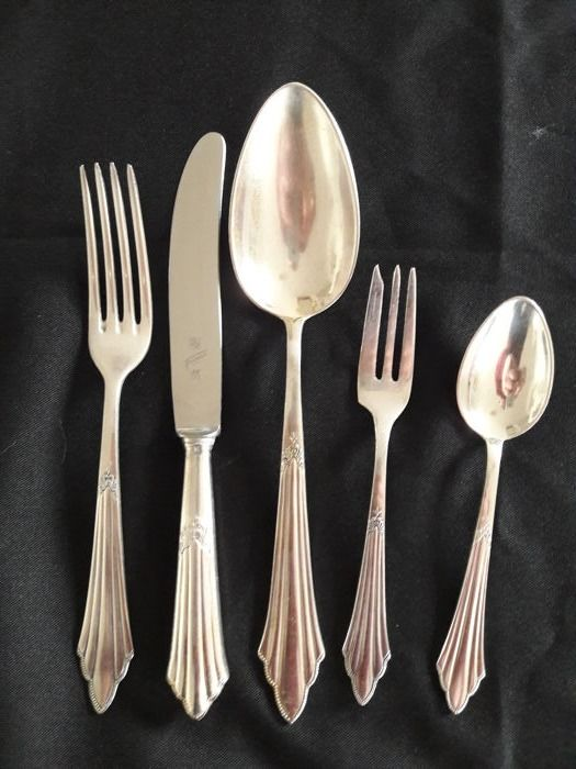 WMF fan pattern - the Art-Deco cult cutlery from the 1920/30s - antique 47 piece silver-plated (90) elegant cutlery - marked