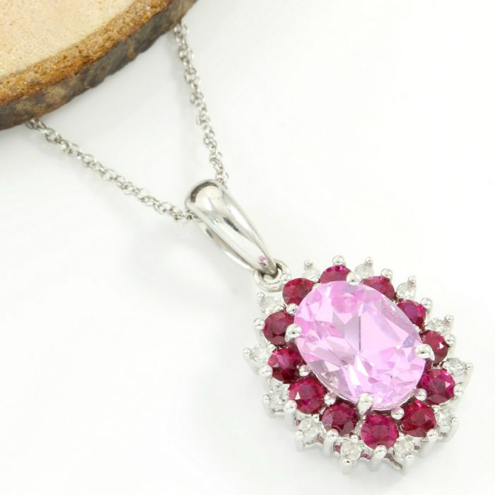No Reserve Price - 14k White Gold - 3.50 ct Oval Shape Pink Topaz, 0.35 ct Round Cut Red Corundum and 0.20 ct Single Cut H-I, SI1-SI2 Diamond Necklace with Pendant - 45 cm