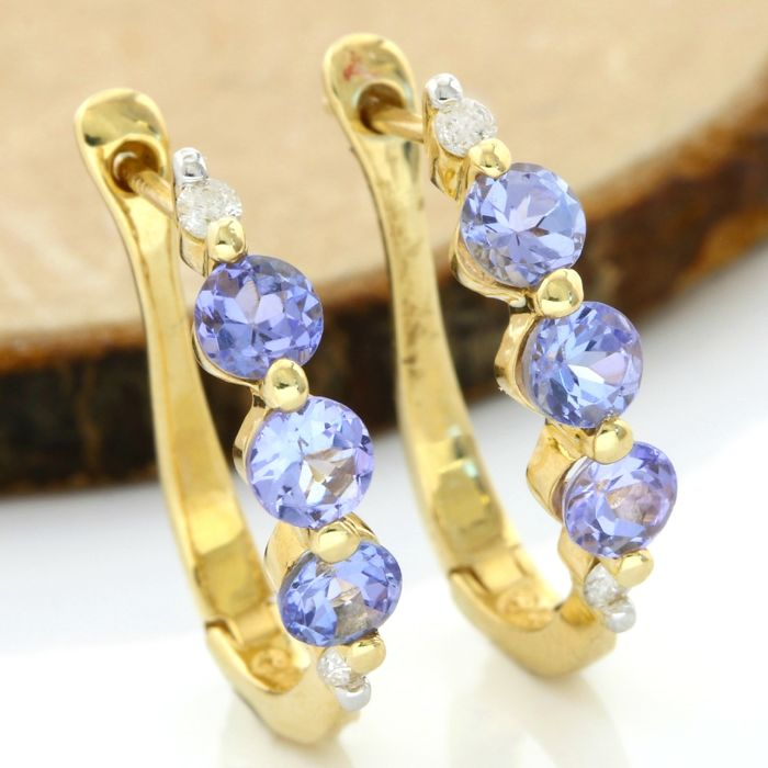 No Reserve Price - 14k Yellow Gold Earrings Set with 1.50 ct Round Cut Tanzanite and 0.08 ct Round Cut I-J, SI1-SI2 Diamond