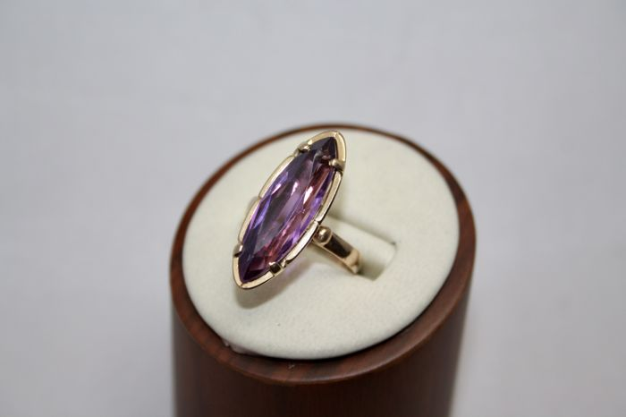 Ring in 18 kt rose gold, with marquise cut amethyst, size 59