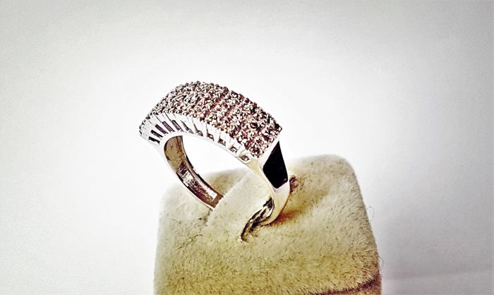 18 kt white gold ring of 5 g set with 0.52 ct of diamonds - size 7.5