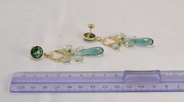 18 kt yellow gold earrings green quartz hydrothermal and prasiolite drops - 65 mm
