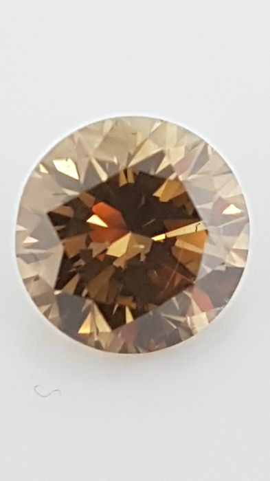 1.61 ct - Round Brilliant - Brown - VS1