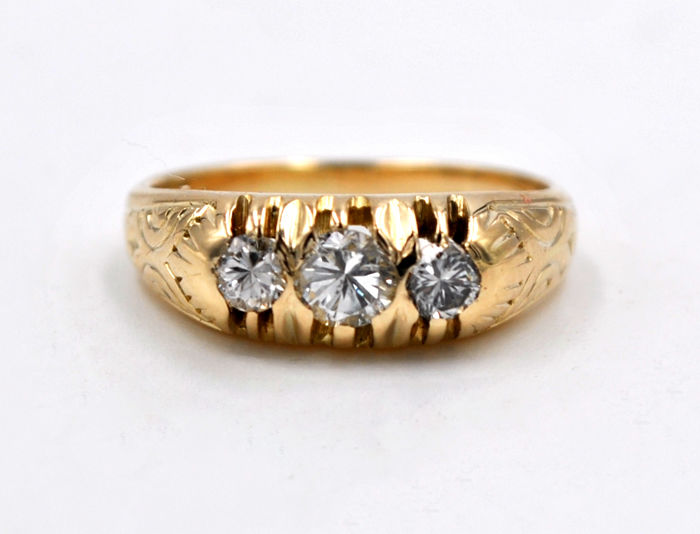 Antique ladies' ring with old cut diamonds in 585/14 kt yellow gold