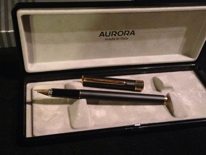 Aurora - 88 Vintage, 18 kt, 302, MP91, with refill