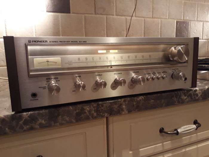 Beautiful very well functioning vintage Pioneer receiver with wooden case - type SX-450 - year 1976
