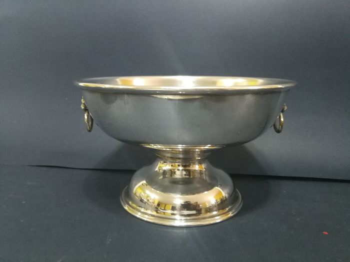 Georgian style bowl with lion head shaped handles - by Viners of Sheffield