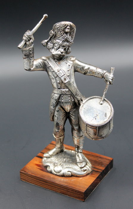 UK Royal Navy - 925 silver laminated drum player, marked ARG and other marks