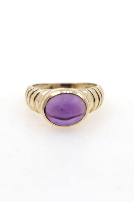 Ladies' ring 585 / 14 kt yellow gold with amethyst cabochon - size 50 (EU)
