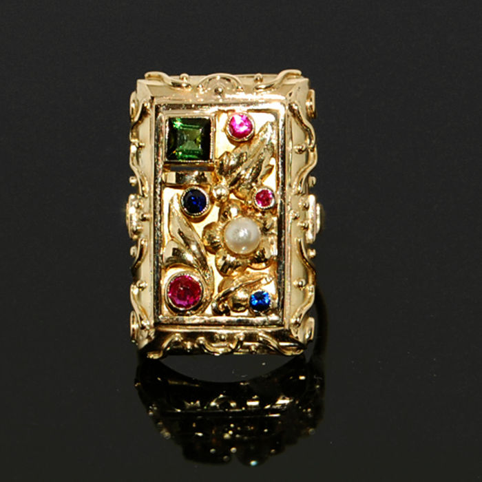 Cocktail ring in gold with Akoya pearl, tourmaline, ruby and sapphire, RS 49.5