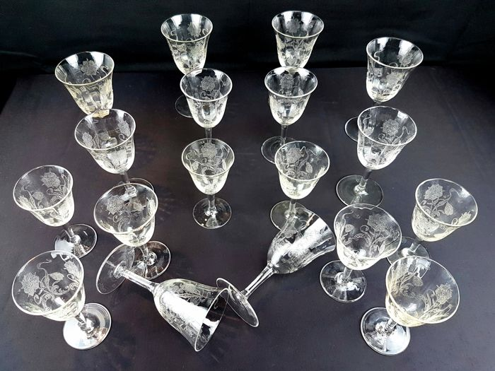 Antique set of 18 glasses in sparkly French cut crystal chiselled by hand
