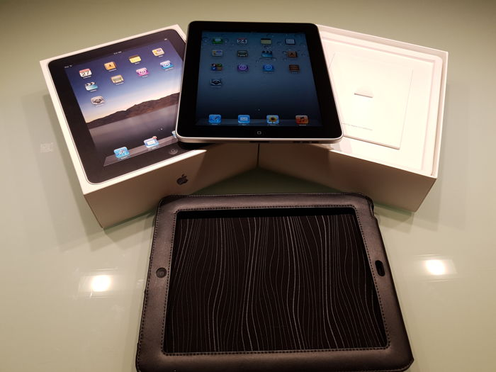 Apple IPAD 1e generation 32GB with WIFI in original box.