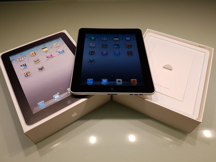 Apple IPAD 1e generation 16GB WIFI in original box.