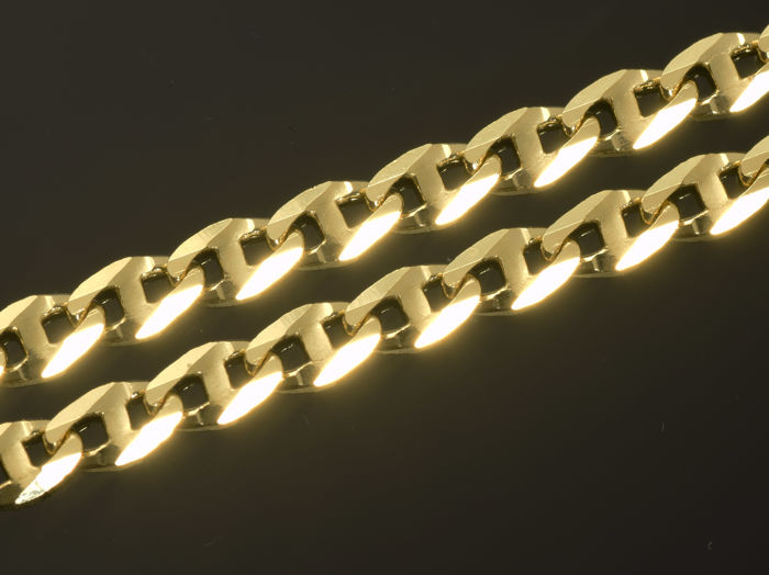 """18k Gold. Solid Chain """"Gucci Diamond Cut"""" · Length 50 cm · Weight 9.07 g."""