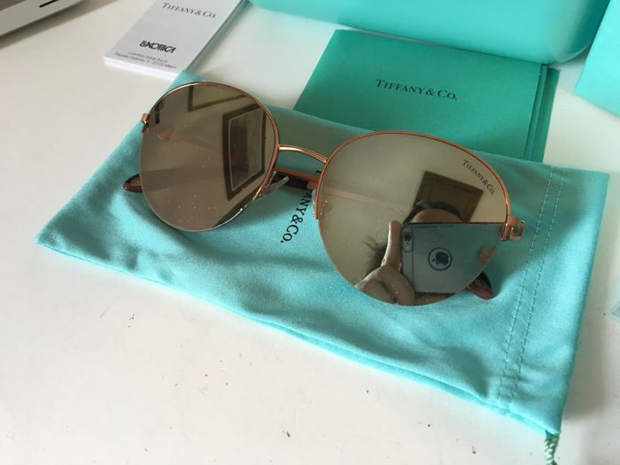 88051b9be9d17 Tiffany   Co. - Round TF 3053 Lunettes de soleil - Catawiki