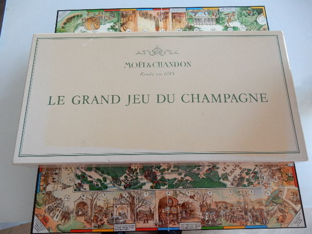 Moet et Chandon - Very rare - Collector - The Great Game of Champagne - Epernay - France