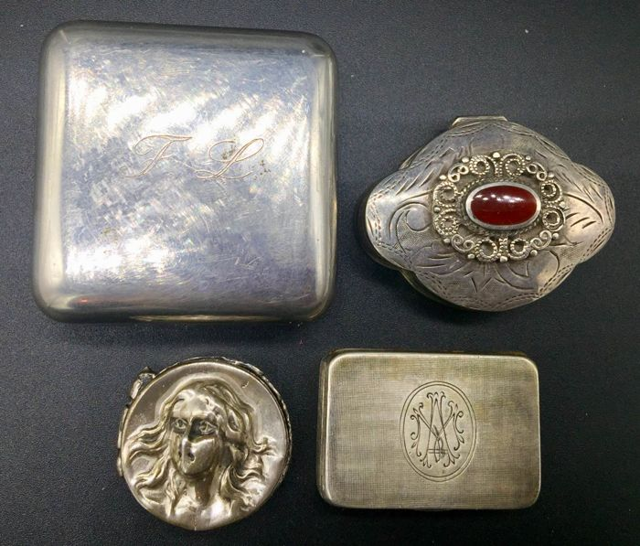 Lot of Silver Pillboxes or Snuffboxes Italy, 19th and 20th century