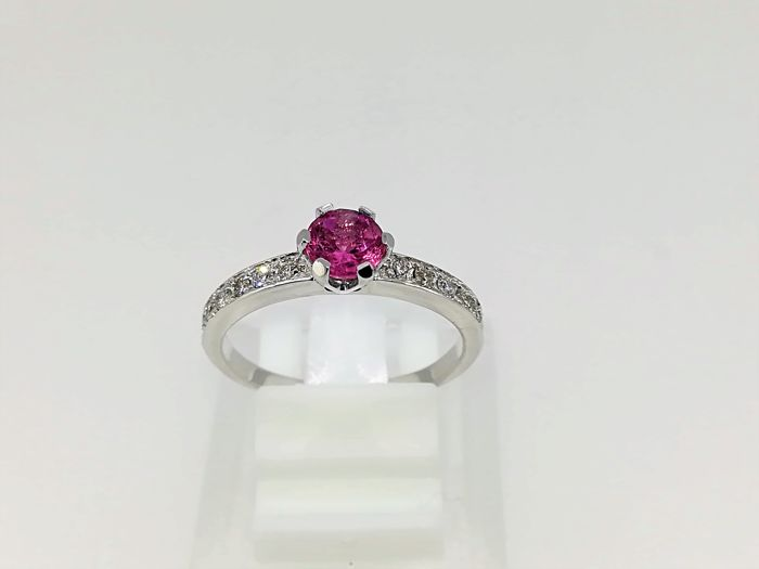 Ring 18 kt white gold, 2.70 g, tourmaline and diamonds, number 14