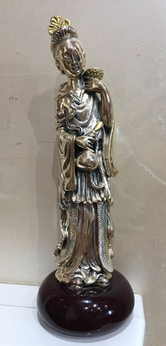 Fine Asian woman statue Silver plated object