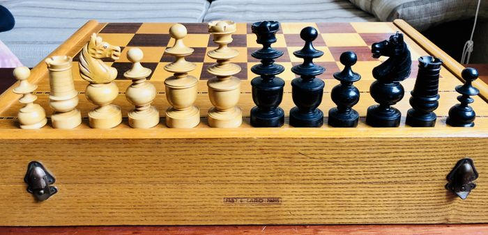 Ancient chess Regency with expensive large board Paris