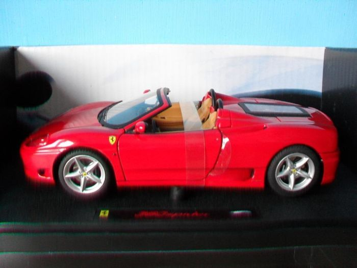 Hot Wheels Elite - Schaal 1/18 - Ferrari 360 Spider - Rood