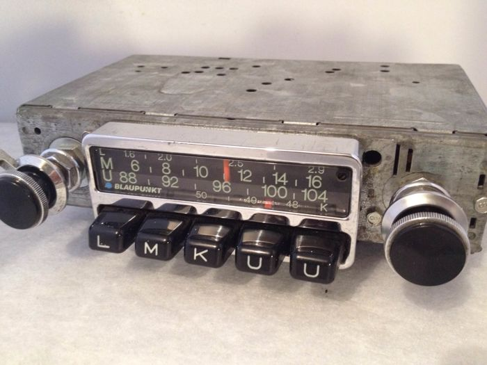 Blaupunkt Frankfurt classic car radio from 1971 for Porsche 911 and 912
