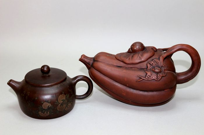 2 tea post in different shapes with multiple seals - China - 21st century