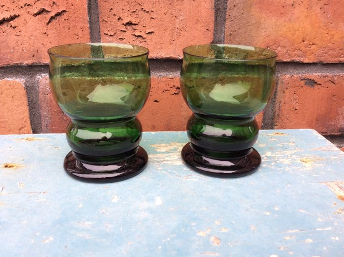 Cornelis de Lorm - two green punch glasses