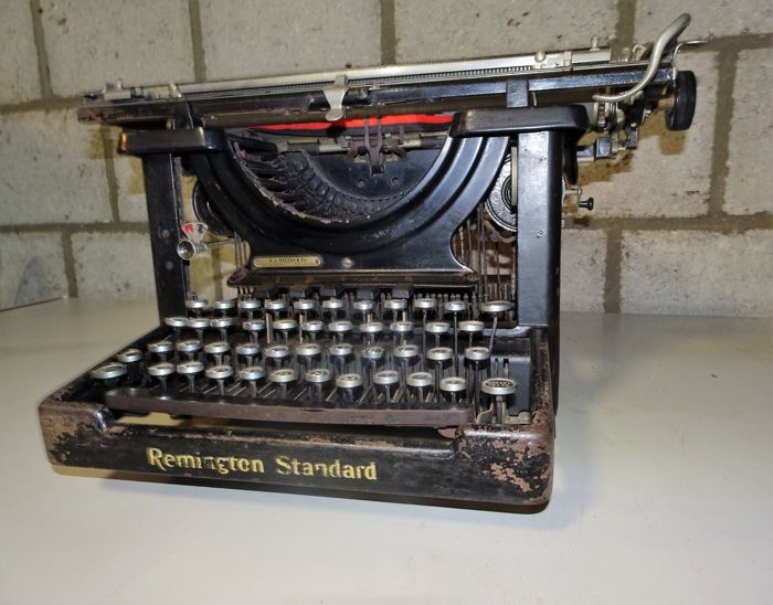 Typemachine Remington Standard uit 1909. Open model
