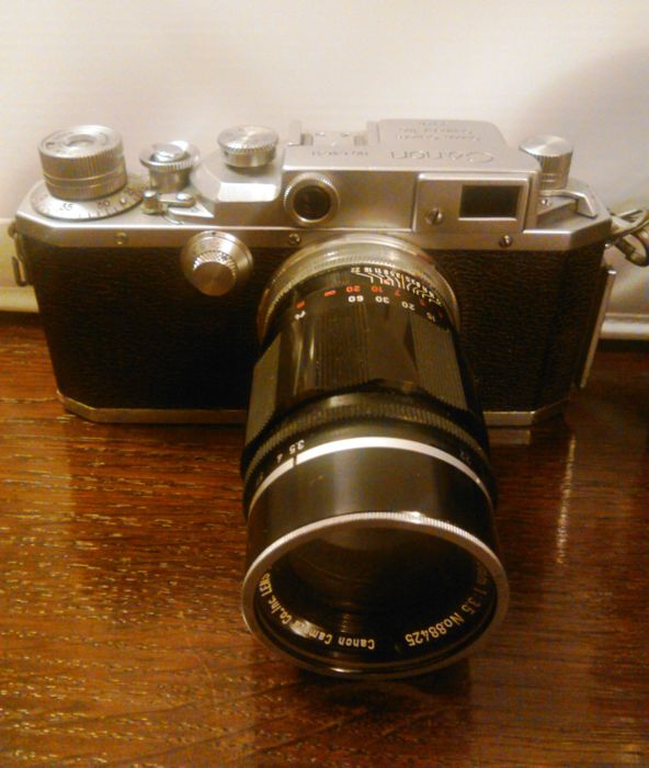 Canon IV S rangefinder with Canon 3,5 / 100mm lens. Japan 1952