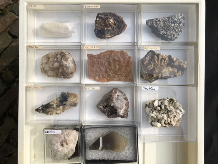 Collection of Mixed Minerals from South Africa, Namibia, Germany & Morocco - 900 gram (11)