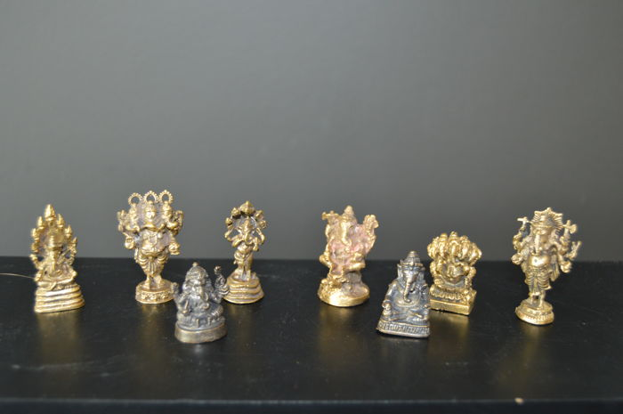 Hindu amulets from a personal collection (8 pieces) - India - end of 20th century