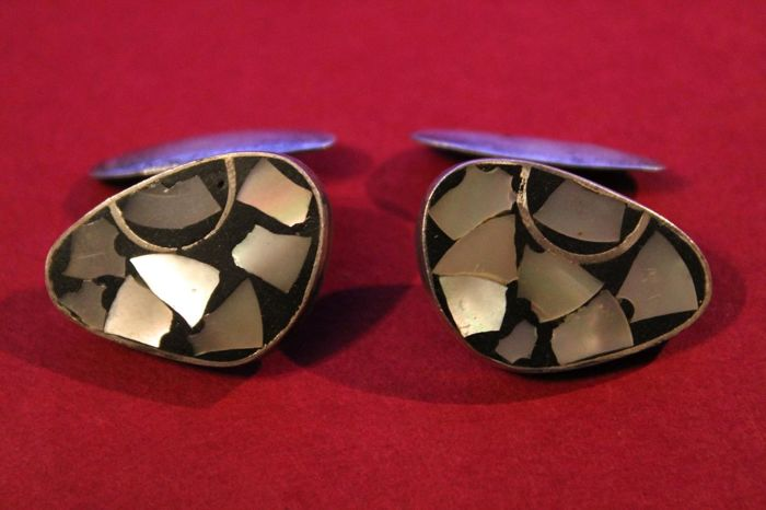 Sterling silver cufflinks with mother of pearl inlays in kidney shape - 935/1000 silver mens' jewellery, no reserve price