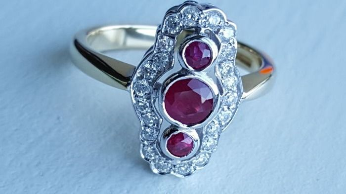 18 ct yellow gold ladies diamond ruby ring