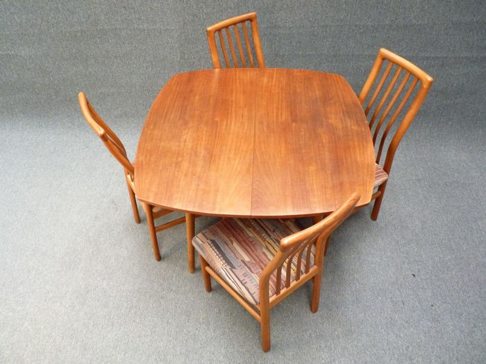 Kai Kristiansen for Schou Andersen Mobelfabrik - Danish teak dining set ( chair nr 170 )
