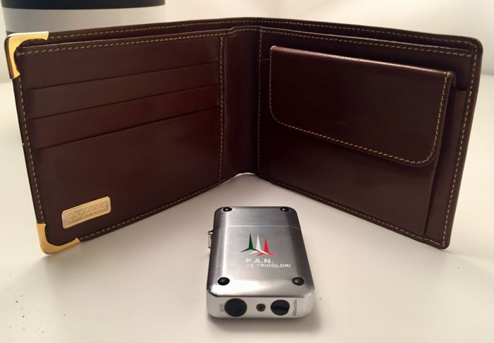 Vintage Gucci Wallet in brown leather - Frecce Tricolori (Italian Military Airforce Acrobatic Team) celebratory Rowenta Lighter - Late 1980s