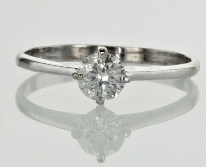 0.50  ct Solitaire Diamond Ring E/SI1 -  14K White Gold   - size (56 fr )