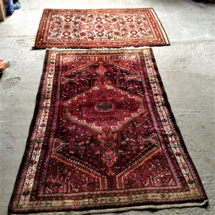 2 Persian carpets, 150 cm x 100 cm and 130 cm x 85 cm