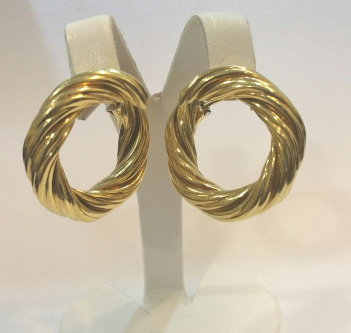 Gold creole earrings. (18 kt)