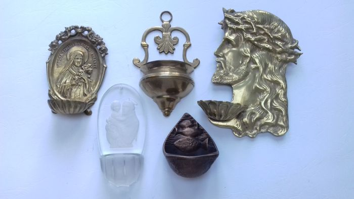 5 holy water fonts of bronze / brass / copper and glass - 1st and 2nd part of the 20th century