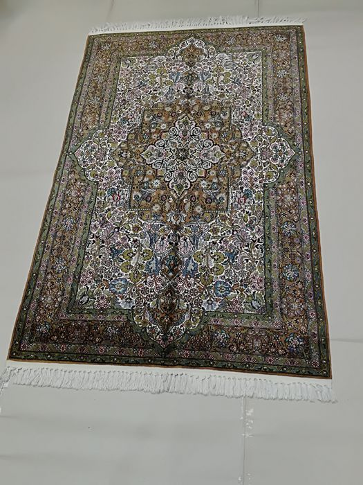 Hand-knotted rug, India , 225 x 138 cm