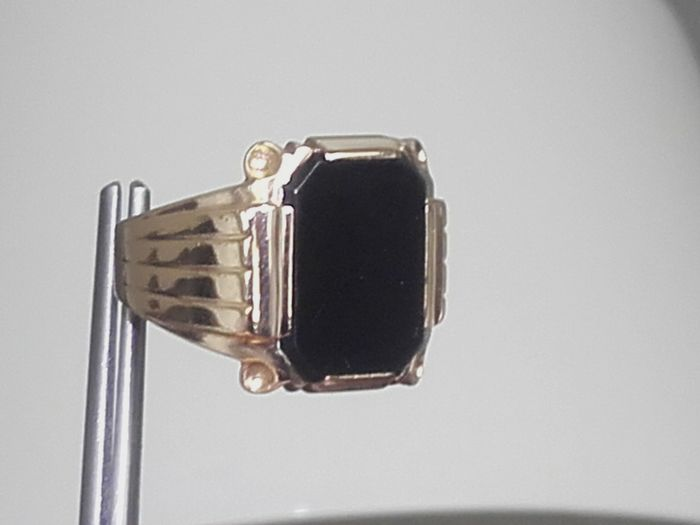 14K gold ring with Onyx