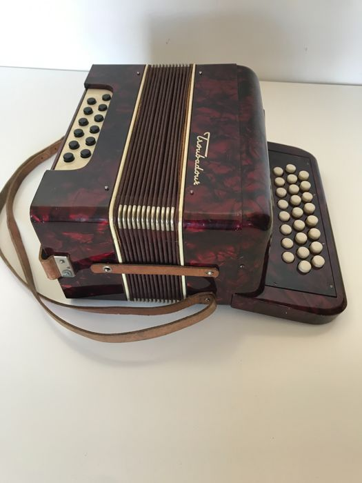 Troubadour Accordion. Superb Condition. Made in Germany