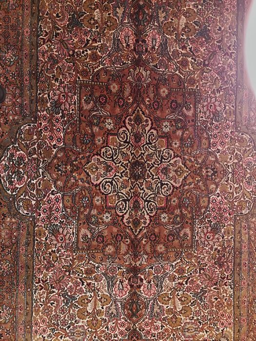 Hand-knotted Indian rug, 225 x 138 cm